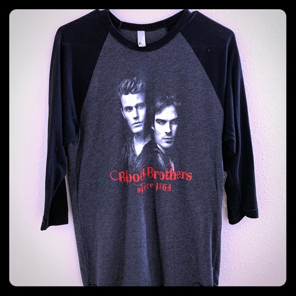 26+ Vampire Diaries Apparel Images